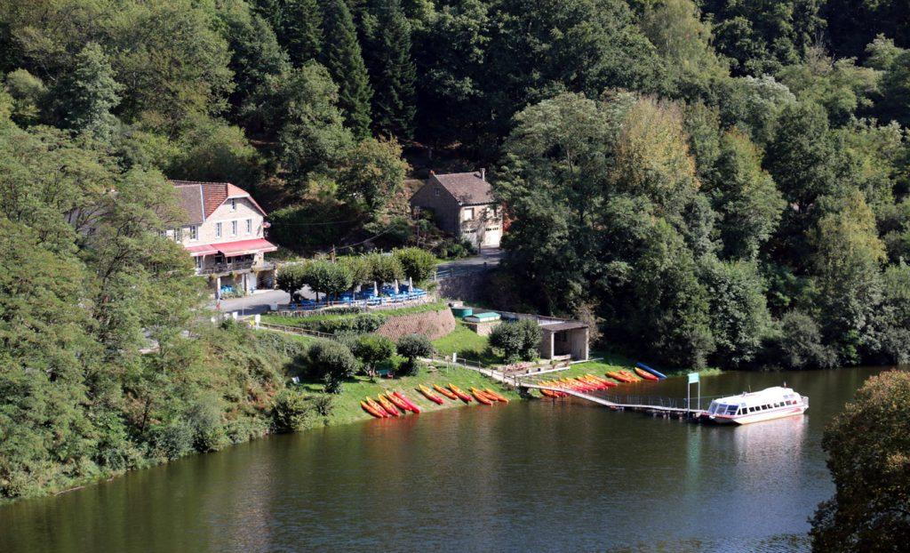 Hotel Du Lac - Crozant - France - Hotel, gites, restaurant